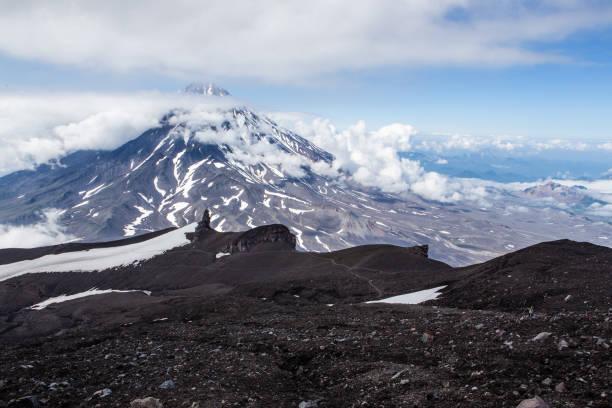 Blick vom Avachinskaya Vulkan Koryaksky Vulkan, Kamtschatka – Foto