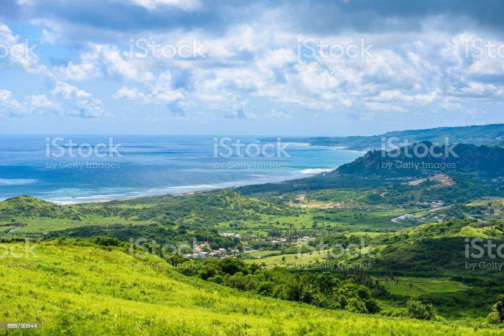 Exibição do Cherry Tree Hill para costa tropical do Caribe ilha de Barbados - foto de acervo