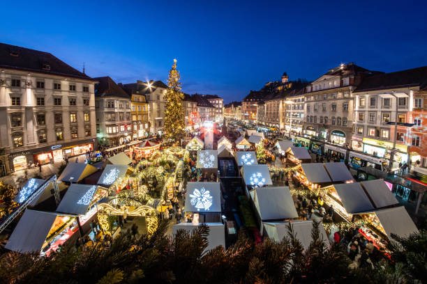 View from city hall Rathaus to Christmas market Christkindlmarkt Graz – Foto