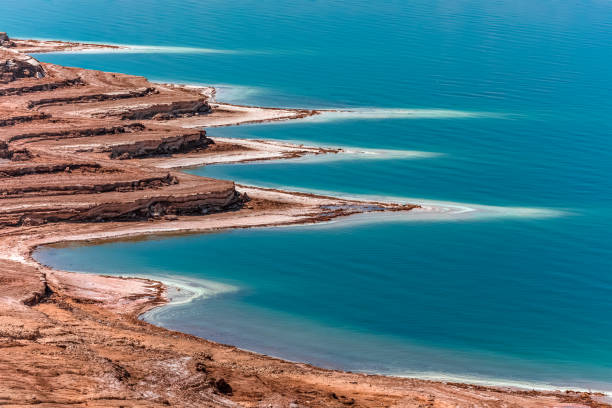 vue de la mer morte - jordan photos et images de collection