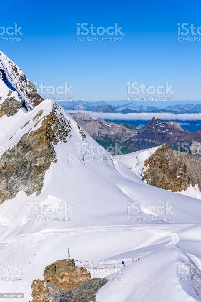 Blick vom Jungfraujoch Plattform auf die Berner Alpen in der Schweiz – Foto