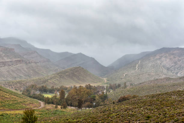 Vista de Kouberg pase a Wupperthal en las montañas de Cederberg - foto de stock