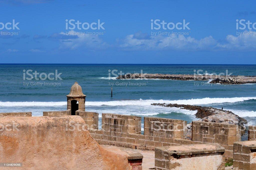 Blick von der Altstadt in Rabat auf den atlantischen Ozean – Foto
