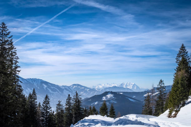 View from plateau Kaiserau to mountains Rottenmanner Tauern and Dachstein – Foto
