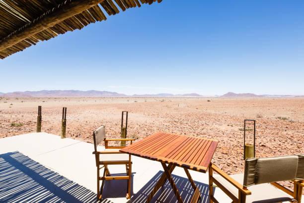 Aussicht vom Balkon einer Lodge in Namibia – Foto