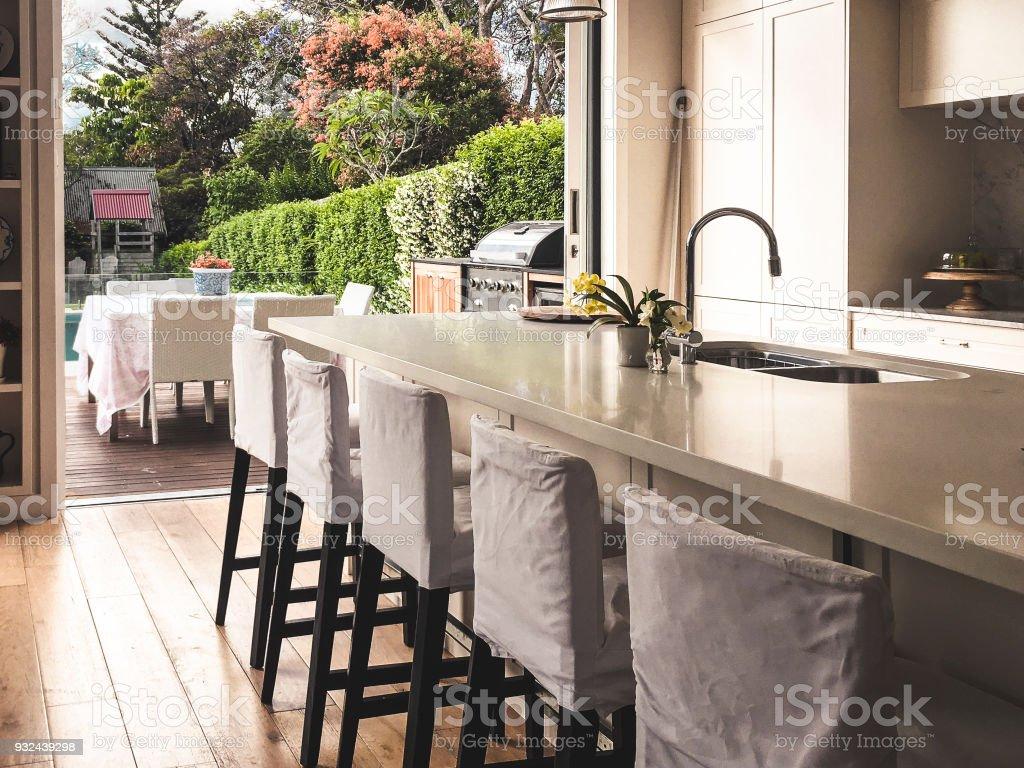 Blick von der Küche in den Garten – Foto