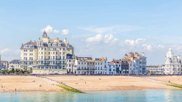 Uitzicht vanaf de pier op de skyline van Eastbourne, Sussex, Verenigd Koninkrijk foto