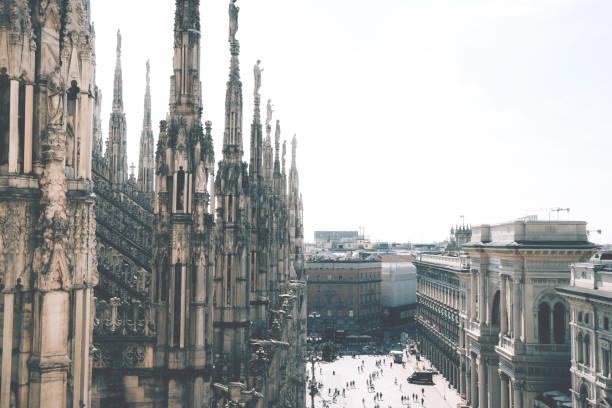 Blick vom Dach des Doms auf die Piazza del Duomo (Domplatz) in Mailand, Italien – Foto