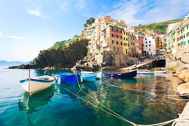 riomaggiore, cinque terre - italien stock-fotos und bilder