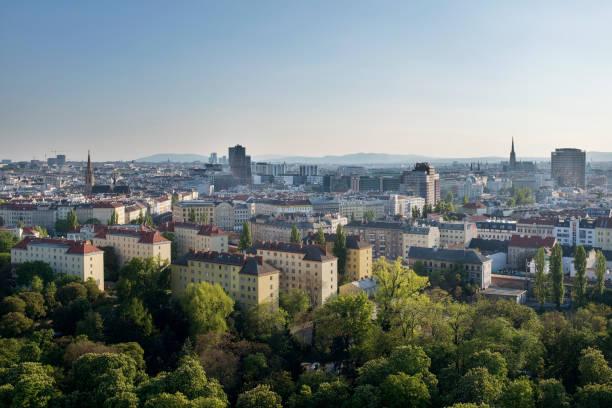 view from the wiener riesenrad - wien foto e immagini stock