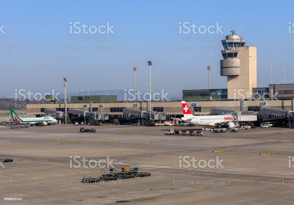 View in the Zurich airport - foto stock