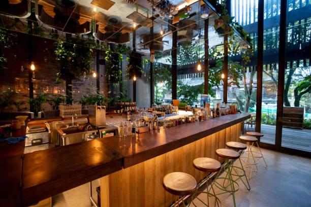 ver dentro de un bar - nadie - restaurante fotografías e imágenes de stock