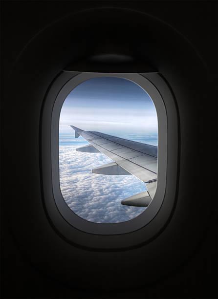 Blick vom Inneren des Flugzeug über Flugzeug Fenster im Flügel – Foto