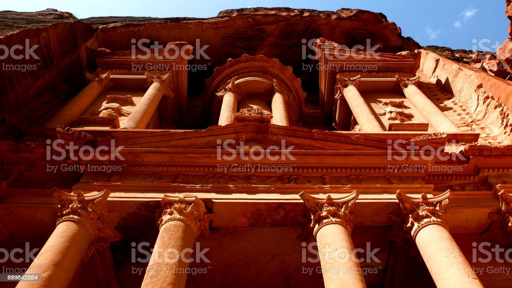 View looking up at Al Khazneh the treasury of Petra ancient city, Jordan stock photo