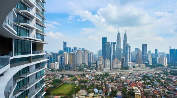 美しい街並みの眺め - business malaysia ストックフォトと画像