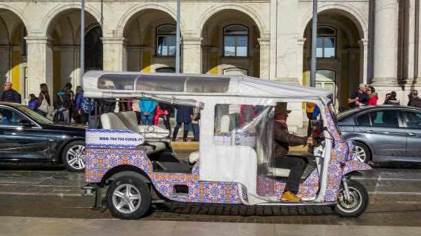 商業廣場圖克計程車的景色圖像檔