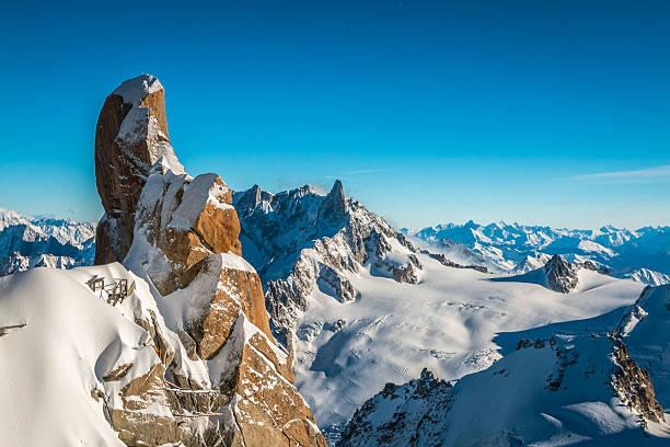 Vue sur les montagnes alpines de Aigille du Midi - Photo