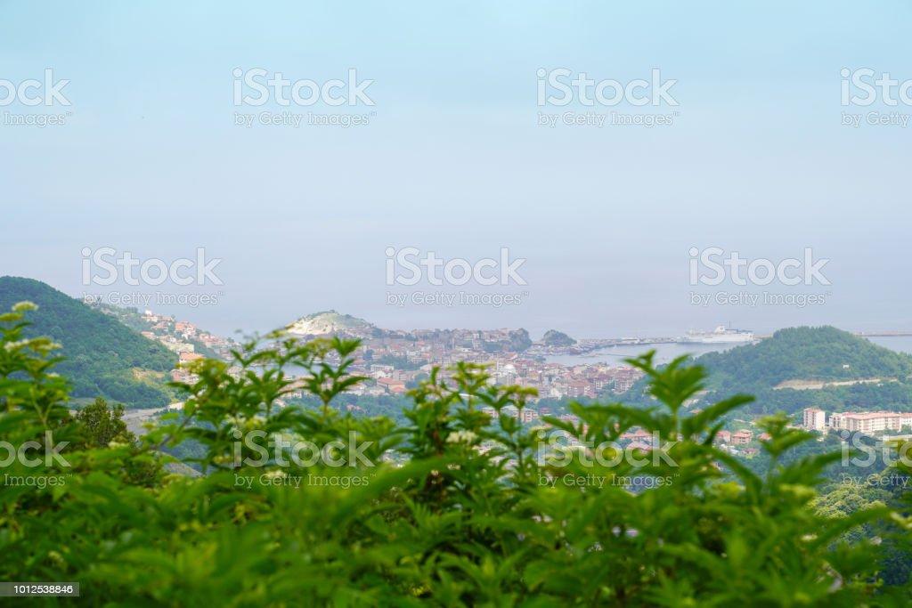 Amasra kenti Kuskalesi üzerinden Karadeniz horizon ile stok fotoğrafı