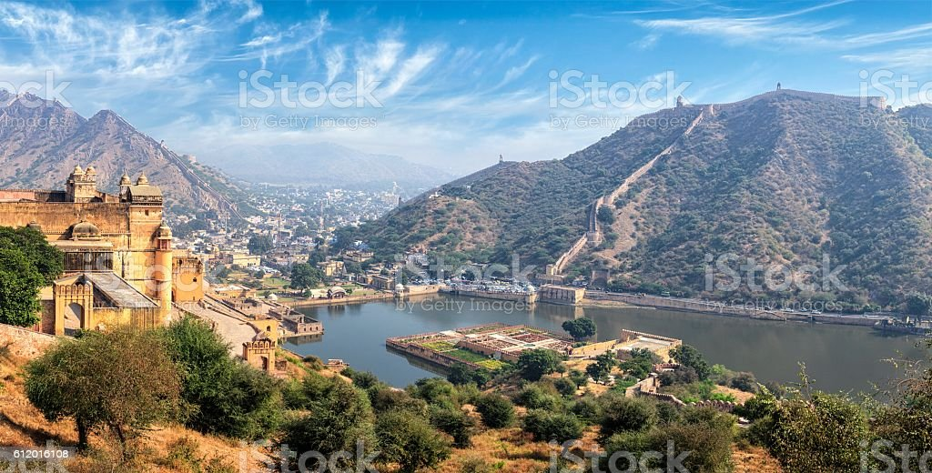 View of Amer (Amber) fort and Maota lake, Rajasthan, India stock photo