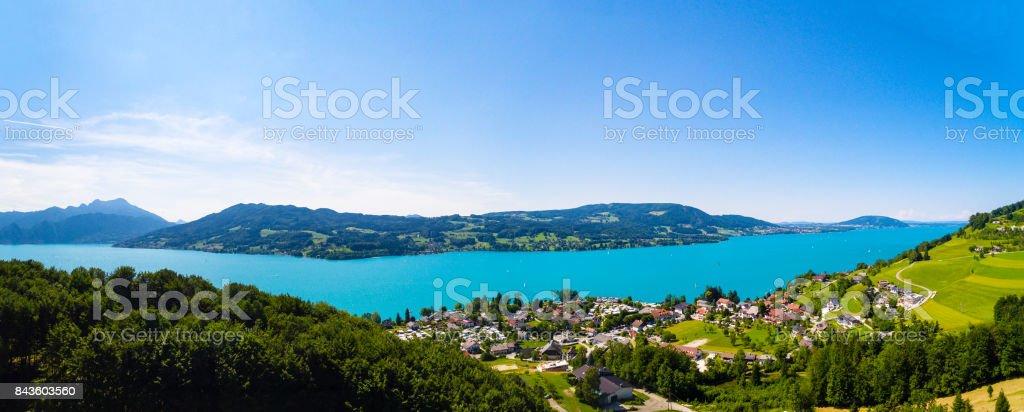 Luftaufnahme des Attersee See, Attersee, Oberösterreich, Österreich – Foto
