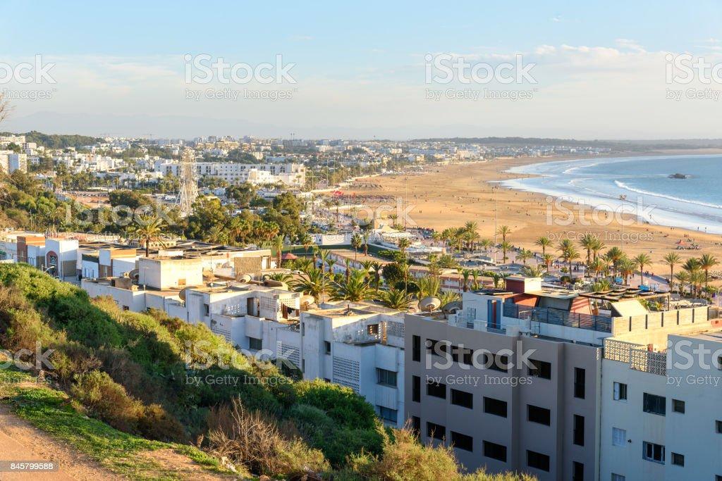 Uitzicht op strand in Agadir stad, Marokko foto