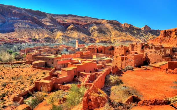 visa bou tharar byn. marocko, den dal roses - kasbah bildbanksfoton och bilder
