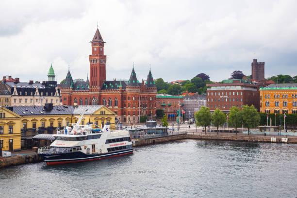 Blick auf die Innenstadt und den Hafen von Helsingborg – Foto