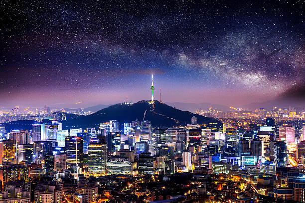 view of downtown cityscape and seoul tower in seoul. - seúl fotografías e imágenes de stock