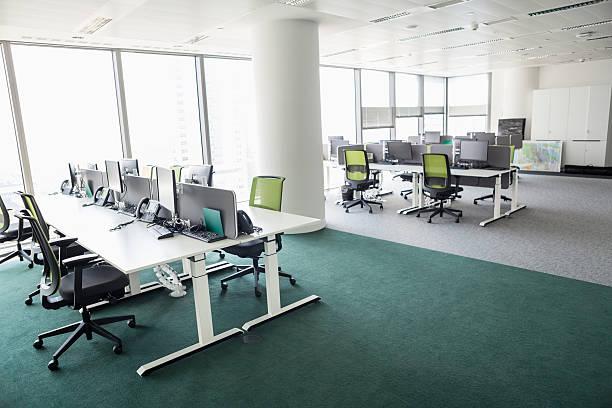 view of empty office - 虛擬辦公室 個照片及圖片檔