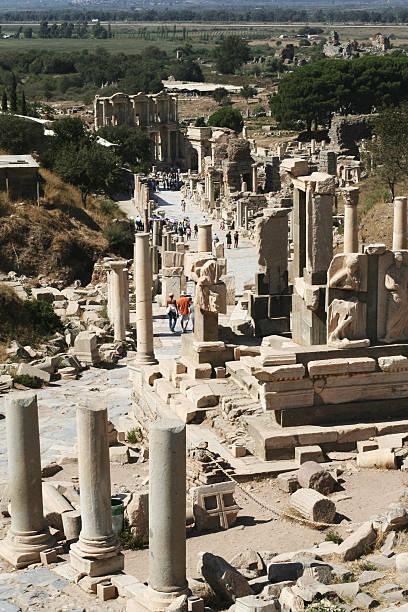 ansicht von ephesus - römisch 6 stock-fotos und bilder