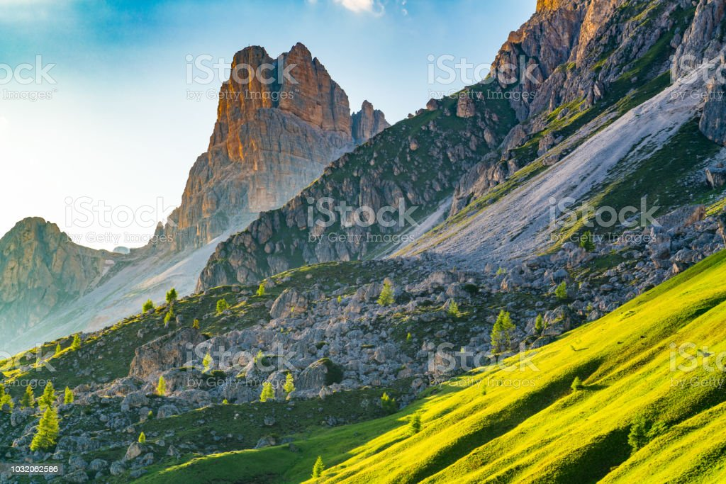 View of evening light on the Dolomites mountain - foto stock