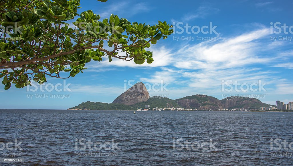 View of Guanabara Bay with Sugarloaf Mountain in the background - foto de acervo