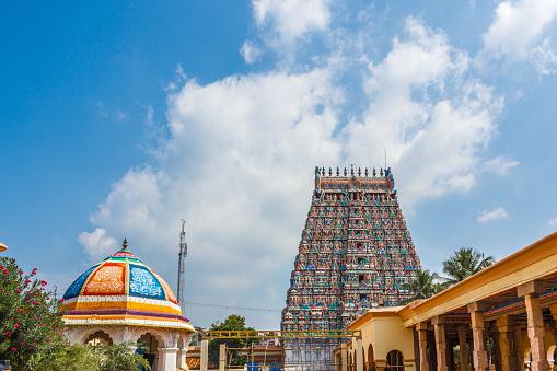 Uitzicht Op Hindoe Tempel Toren Stockfoto en meer beelden van Antiek - Toestand