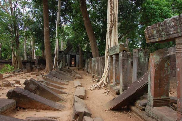 Blick auf den Koh Ker Komplex, Kambodscha – Foto