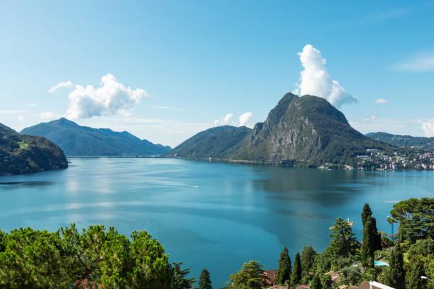 Blick auf den Luganer See und Monte San Salvatore – Foto