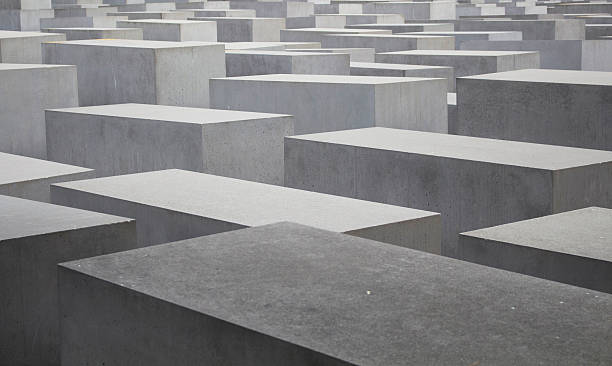 view of memorial to the murdered jews of europe - shoah photos et images de collection