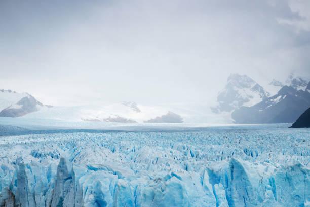 Vista de las montañas y los glaciares, Patagonia - foto de stock