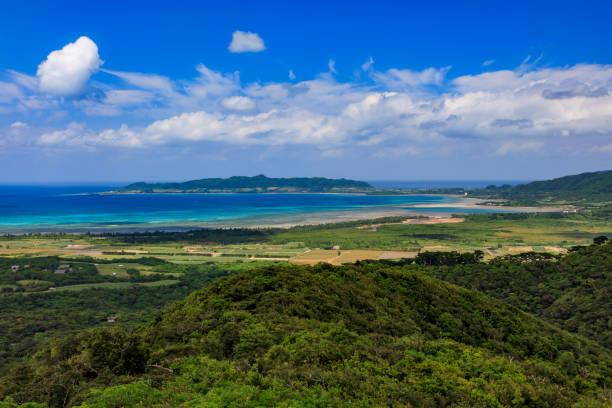 Blick auf die Nagura Bay vom Ishigakijima Banna Park Observatory – Foto