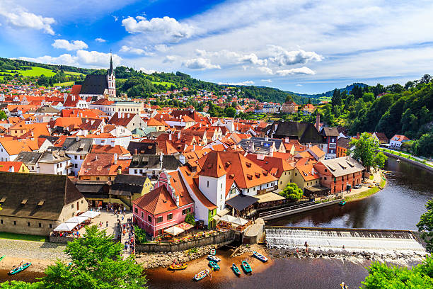 view of old bohemian city cesky krumlov, czech republic - tsjechië stockfoto's en -beelden