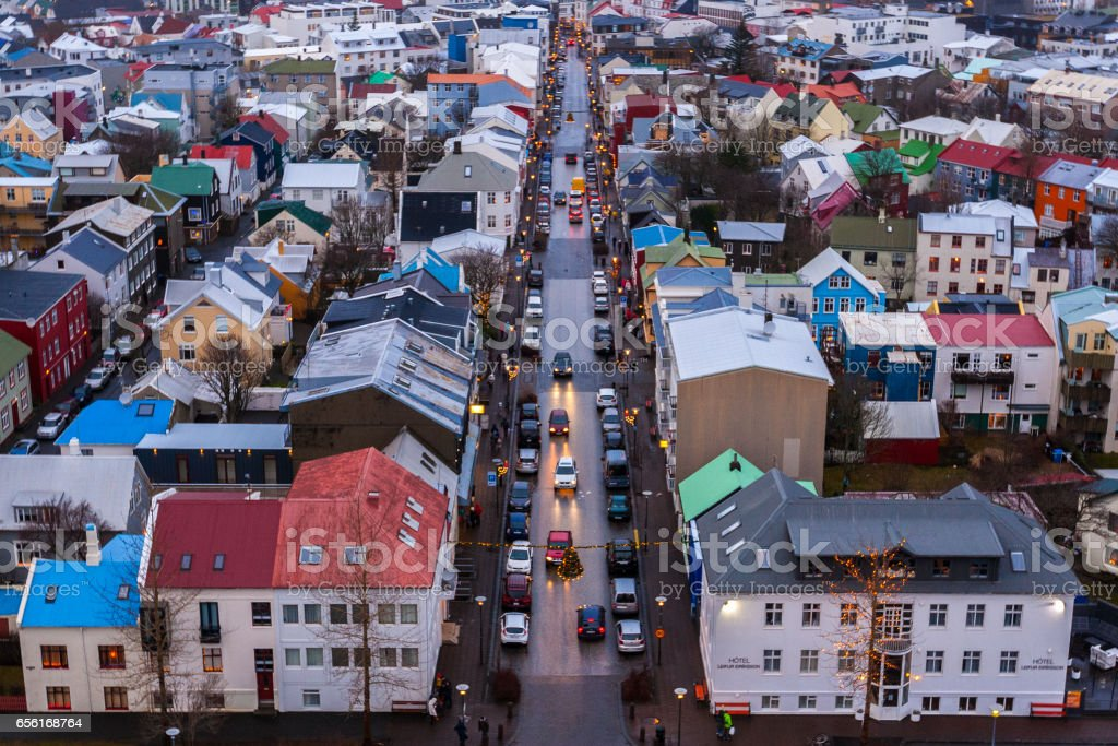 View of Old Town from top of church tower at dusk, Reykjavik – Foto