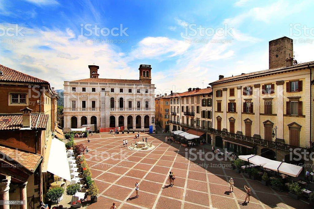 Vista de la piazza Vecchia, Bergamo - foto de stock