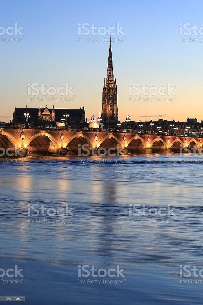 Vue du Pont de Pierre bridge - Photo