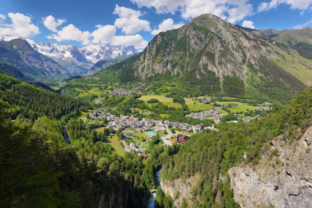 view of pre saint didier town near courmayeur and french border. val d'aosta region, italian alps. - courmayeur estate foto e immagini stock