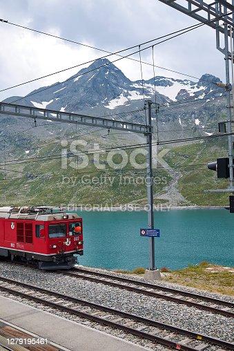 istock View of Rhaetische Bahn train 1279195461