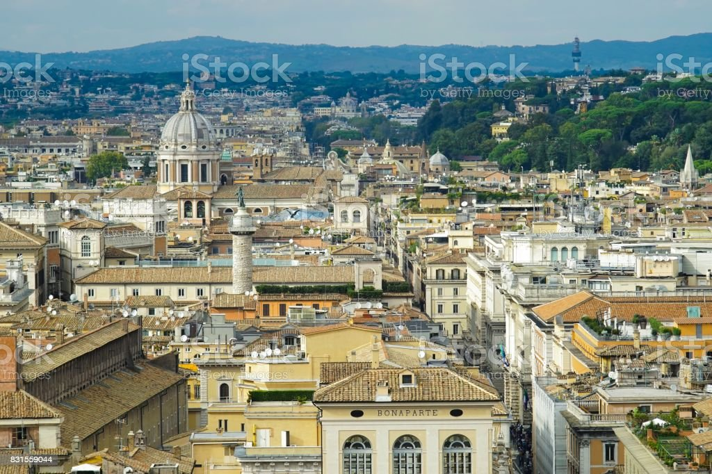 Vista De Roma Desde La Terraza Del Altar De La Patria Foto De Stock Y Más Banco De Imágenes De Aire Libre