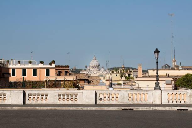view of san pietro's dome from piazza del quirinale - quirinale foto e immagini stock