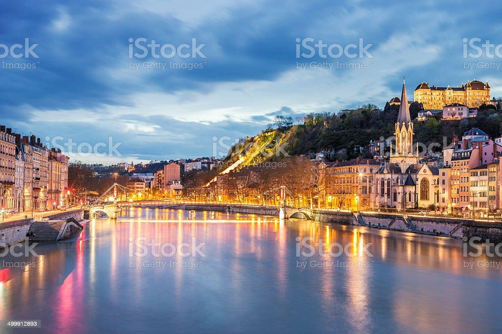 Vue sur la Rivière Saône à Lyon city au crépuscule - Photo