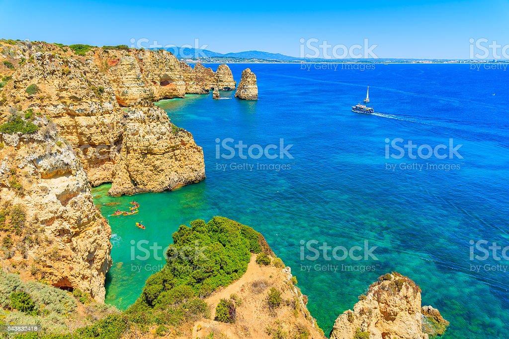 View of sea bay with kayaks - fotografia de stock