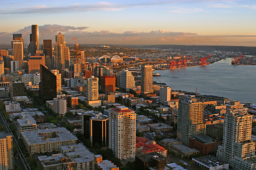 istock View of Seattle at Sunset 139664888