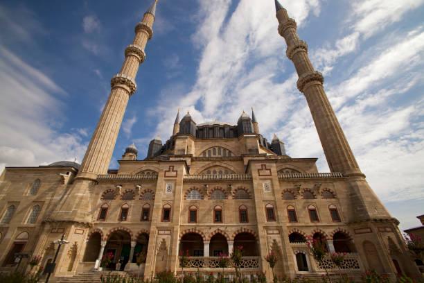 blick auf die selimiye moschee in edirne, türkei. unesco-weltkulturerbe. - edirne stock-fotos und bilder